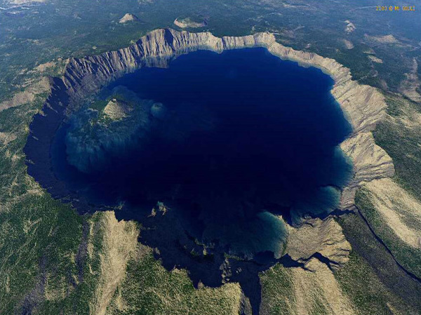 What is the Best Time to Visit Crater Lake National Park?
